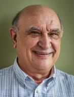Dr. Daniel Svara
